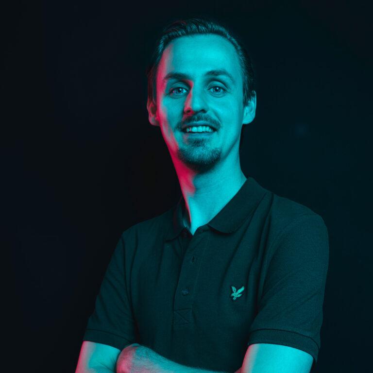 nando online marketing specialist - Endeavour Heroes
